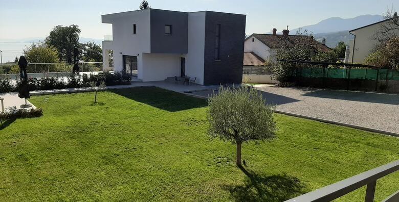 Matulji Vila Prenc 5  uzivajte u jesenskom odmoru uz 1 2 3 4 ili 5 nocenja za 2 do 8 osoba u potpuno opremljenoj novoizgradjenoj vili modernog dizajna od 912 kn