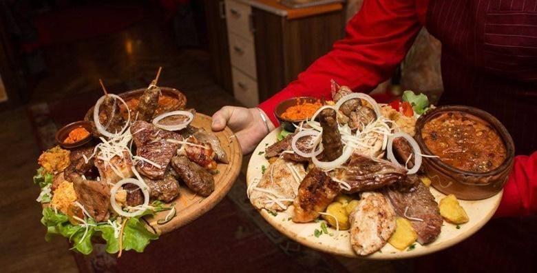 Bogati meni za 4 osobe  garantirano fina hrana u restoranu Makedonska Baraca za 159 kn