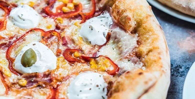 2 pizze po izboru  hrskava korica rastezljivi sir i socni sos  savrsena poslastica u kultnom restoranu u Preckom za samo 49 kn