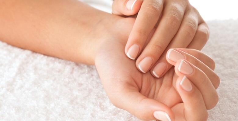 Zastitite svoje suhe i hrapave ruke od stetnih vanjskih utjecaja uz mikrodermoabraziju i intenzivnu njegu ruku u Gargano estetskom centru za 195 kn