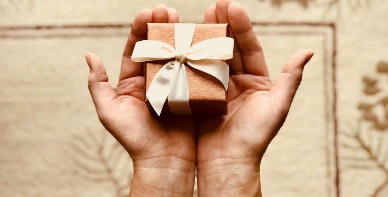 Voucher  iznenadite nekoga poklon bonom u vrijednosti 500 kn na sve usluge mrsavljenja i njege lica za 199 kn